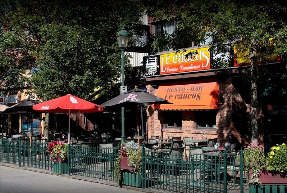 Restaurant Lachute Le Caucus bar et spectacles musique Live Terrasse extérieure